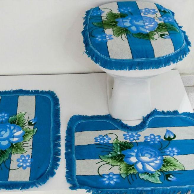 Tapetes para Banheiro 3 peças  Listrado e Pintado Azul Claro