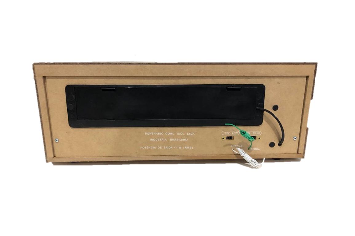 Rádio Companheiro Cabeceira com FM estendida e Entrada Auxiliar para MP3/Ipod 7 Faixas - CRC -71
