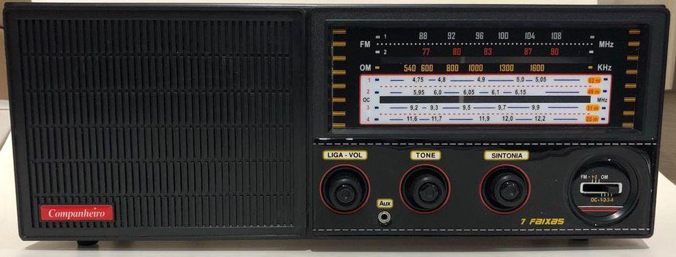 Rádio Cabeceira com FM estendida e Entrada Auxiliar para MP3/Ipod - CRC -71