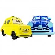 Carrinho Luigi E Doc Hudson Carros Disney + 8 Itens Surpresa