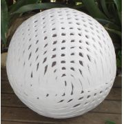 Esfera Renda Branca M