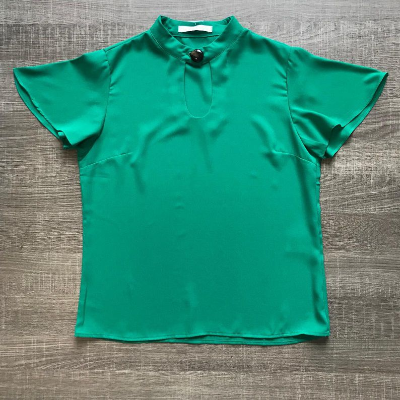 Blusa Crepe Botão Verde