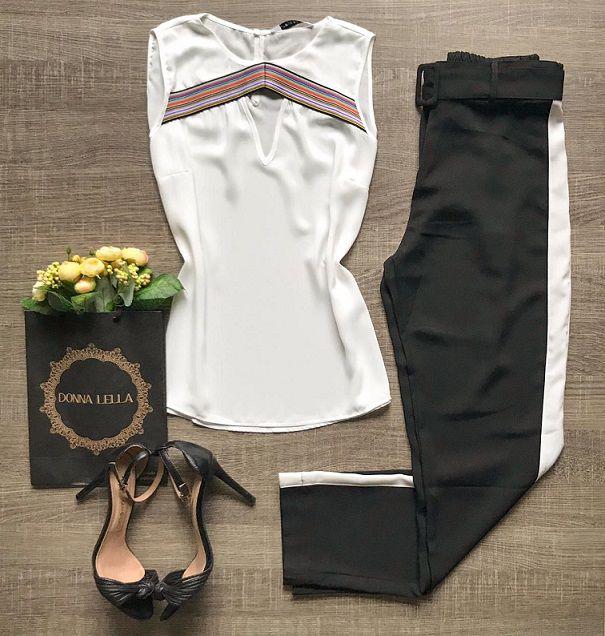 Blusa Crepe Decote Listras