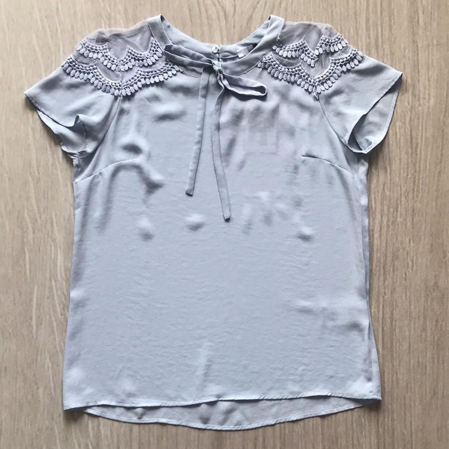 Blusa Crepe Laço Renda Ombros