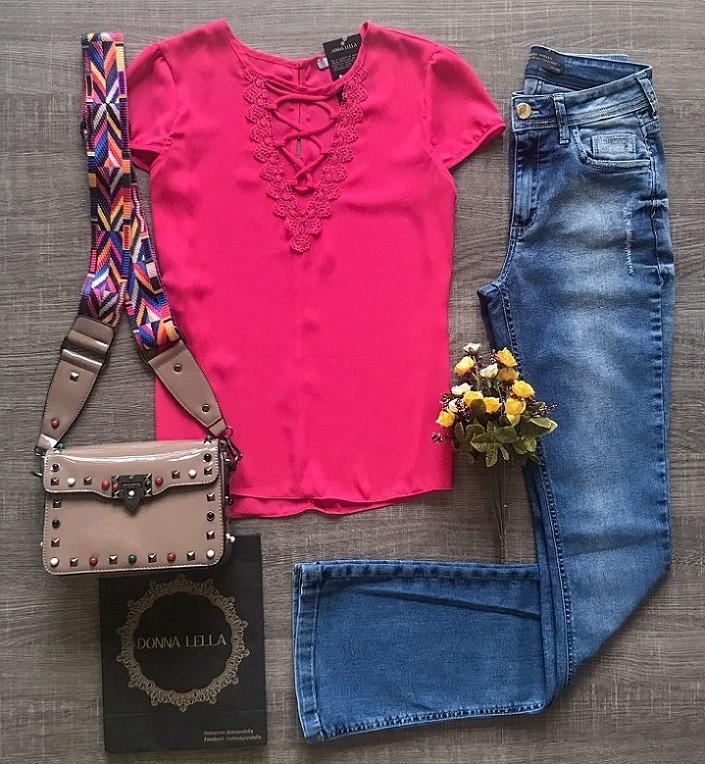 Blusa Crepe Pink Detalhe Guipir