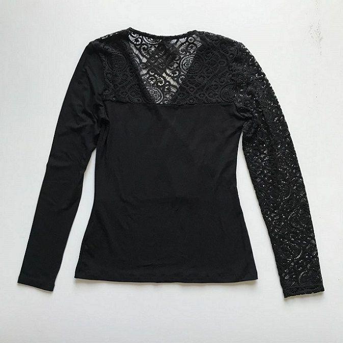 Blusa Decote V Detalhe Renda