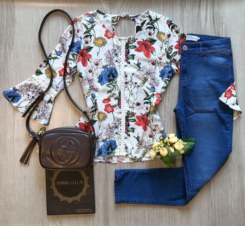 Blusa Floral Detalhe Renda