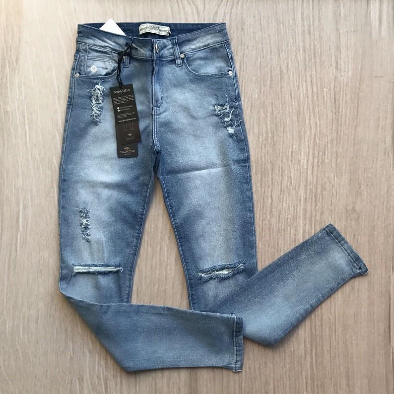 Calça Jeans Skinny Rasgada