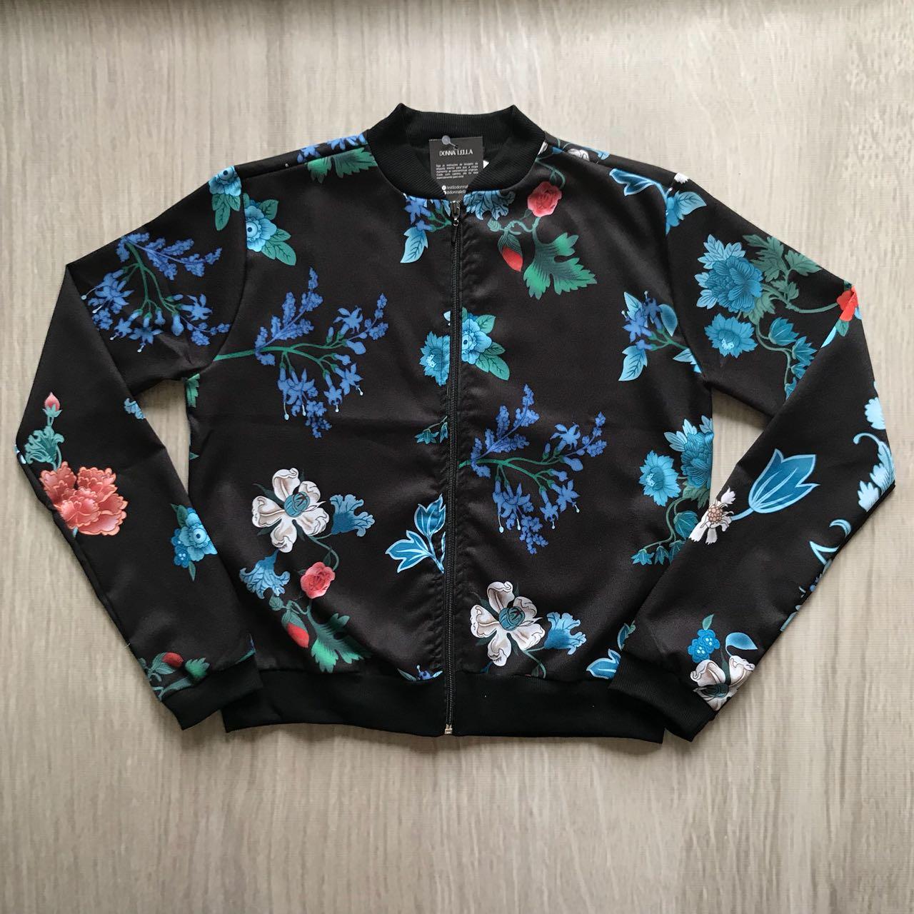 Jaqueta Bomber Floral Preta
