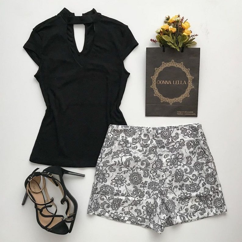 Shorts Estampado Preto e Branco