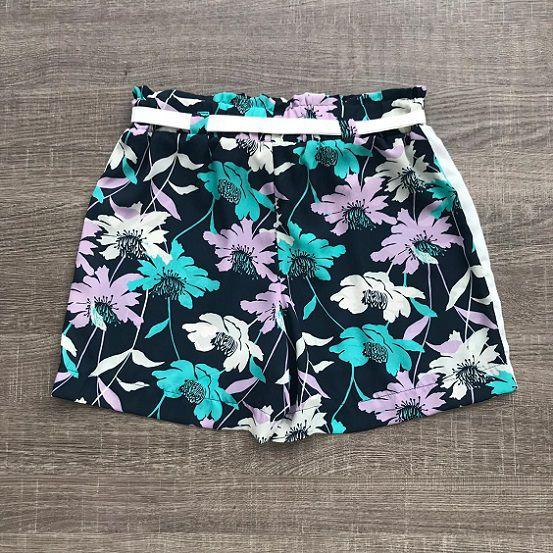 Shorts Floral Detalhes