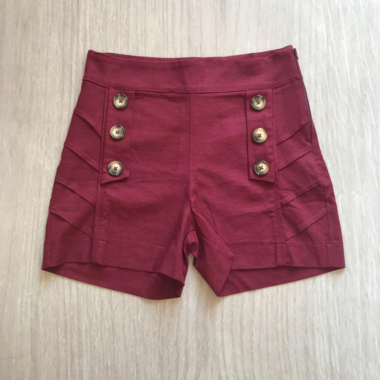 Shorts Linho Botões Marsala