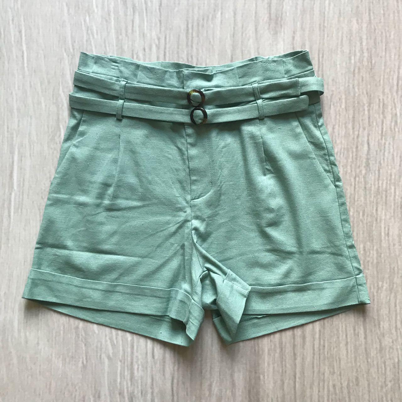 Shorts Linho Com Cinto