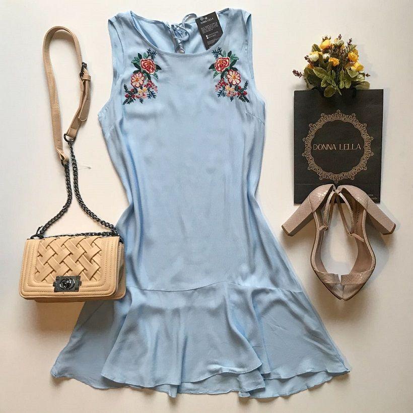 Vestido Bordado Azul Claro