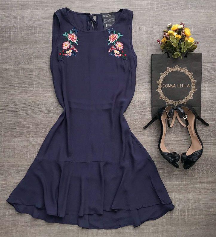 Vestido Bordado Marinho