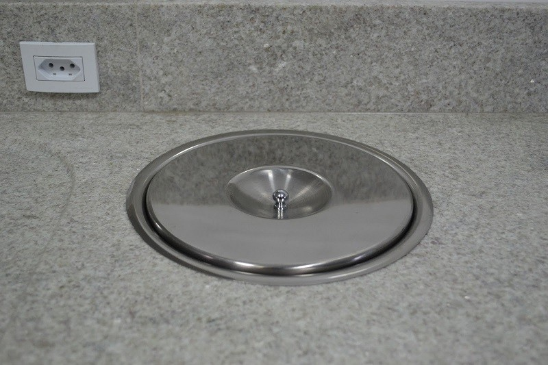 Lixeira Pia Cozinha Embutir No Granito Em Inox Escovado 8lt 25X30 CM