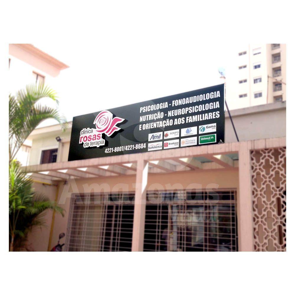 Painel fachada ACM adesivado com logo em relevo