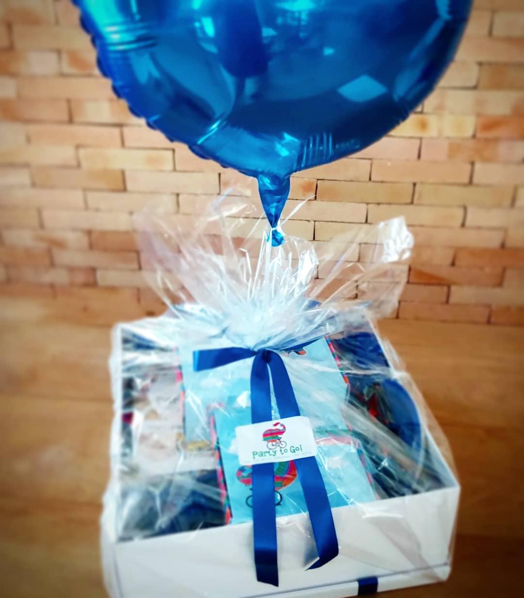 Kit festa na caixa para presente - com bolo 500g