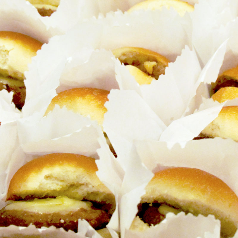 KIT 10 MINI CHEESEBURGERS ASSADOS NO FORNO