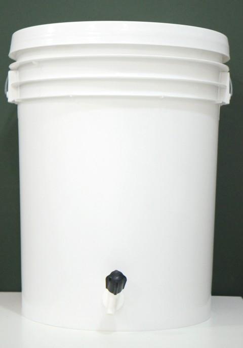 Balde Fermentador de plástico alimentício COM TAMPA - 22 litros