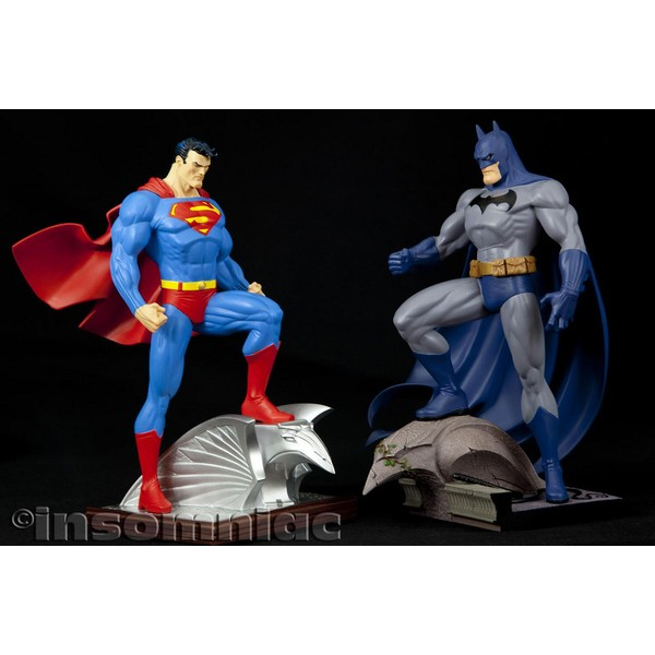 DC Direct Batman Full size statue by Jim lee  - Movie Freaks Collectibles