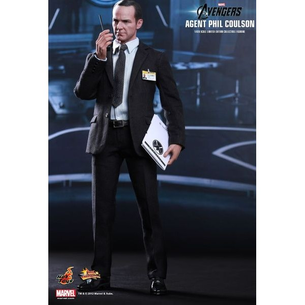 Hot Toys Agent Phil Coulson - Os Vingadores  - Movie Freaks Collectibles