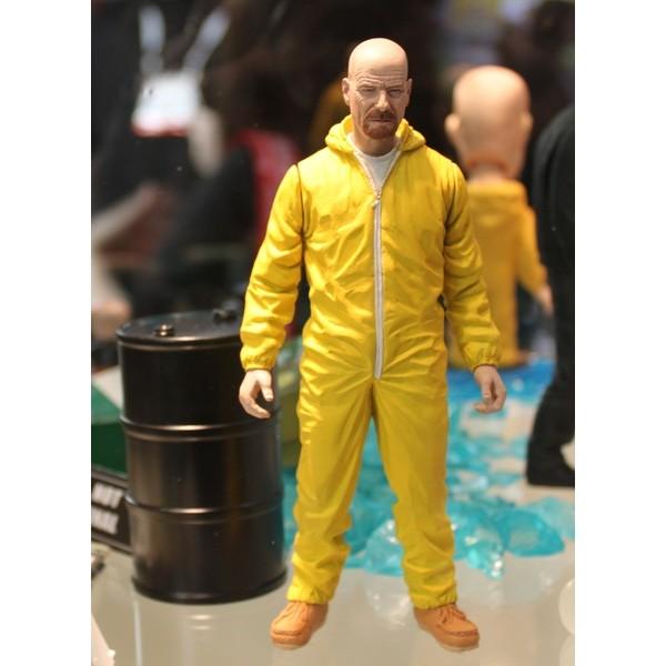 Mezco Breaking Bad Walter White in Yellow Hazmat Suit EXCLUSIVO SDCC 2013  - Movie Freaks Collectibles