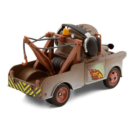 Disney Store Mater Die Cast Car - Cars 2 - Escala 1:43  - Movie Freaks Collectibles
