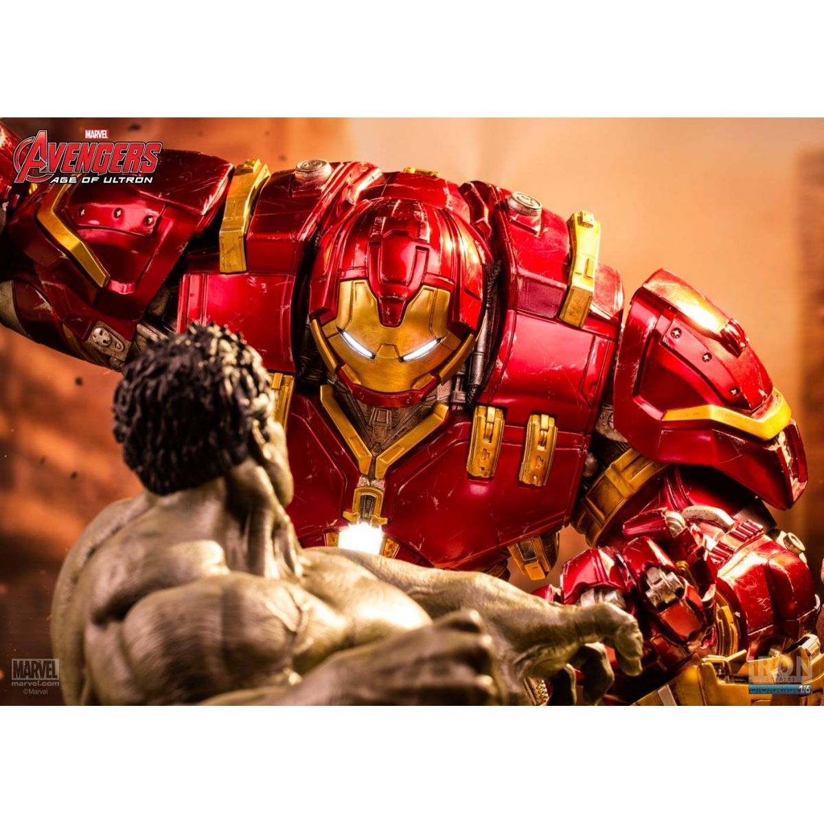 Iron Studios Age Of Ultron Hulk VS Hulkbuster 1/6 Diorama  - Movie Freaks Collectibles