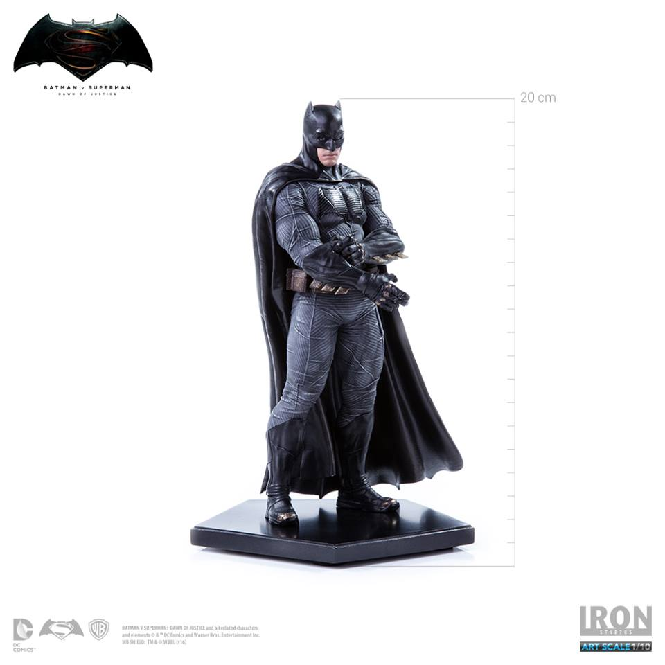 Iron Studios Batman 1/10 Art Scale - Batman V Superman  - Movie Freaks Collectibles