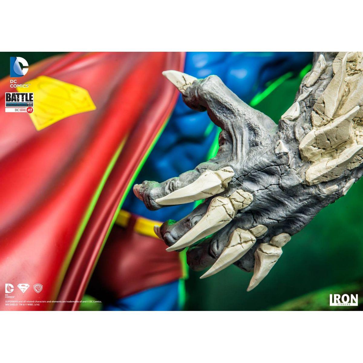 Iron Studios Superman vs Doomsday 1/6 Battle Diorama  - Movie Freaks Collectibles