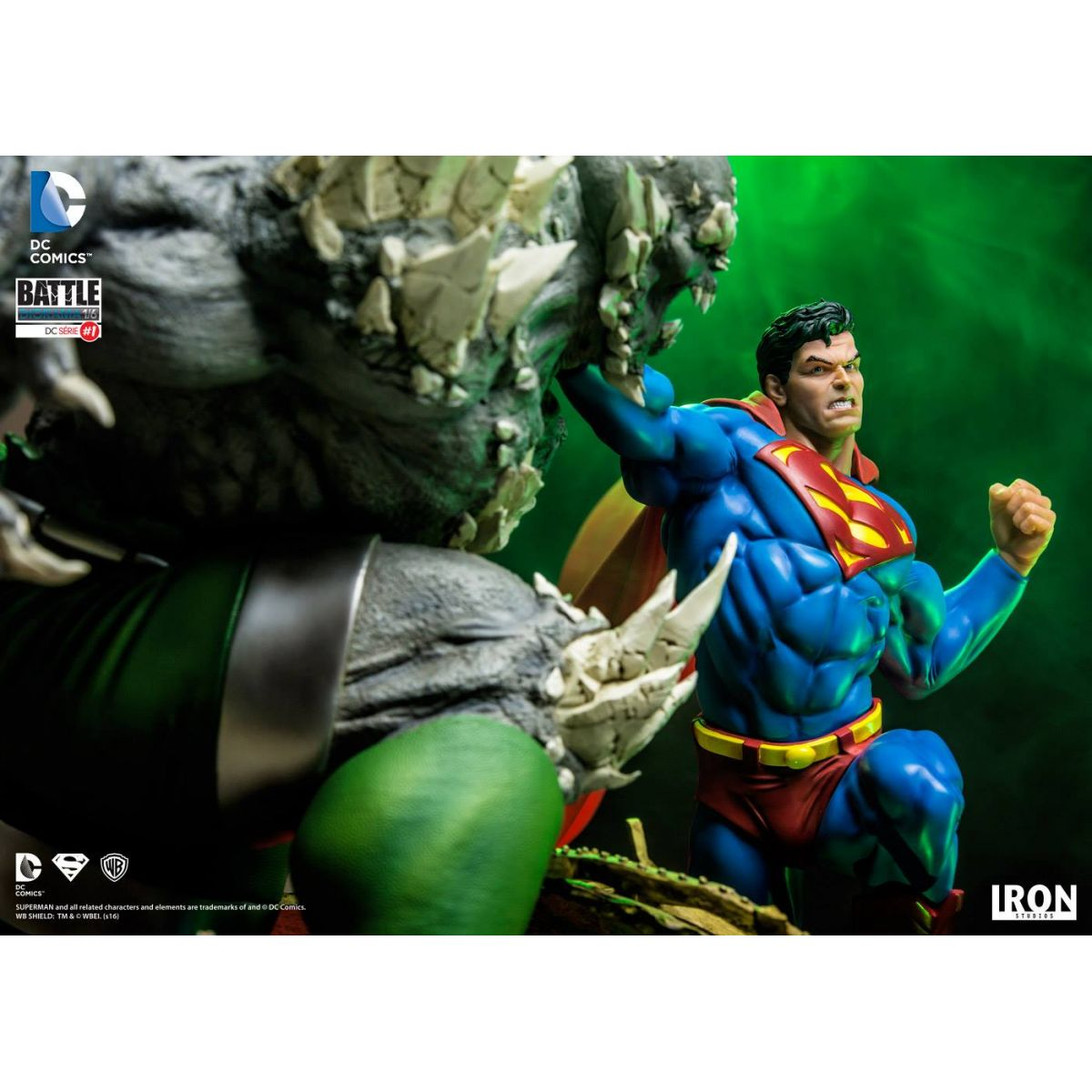Iron Studios Superman vs Doomsday 1/6 Battle Diorama - Movie Freaks Collectibles
