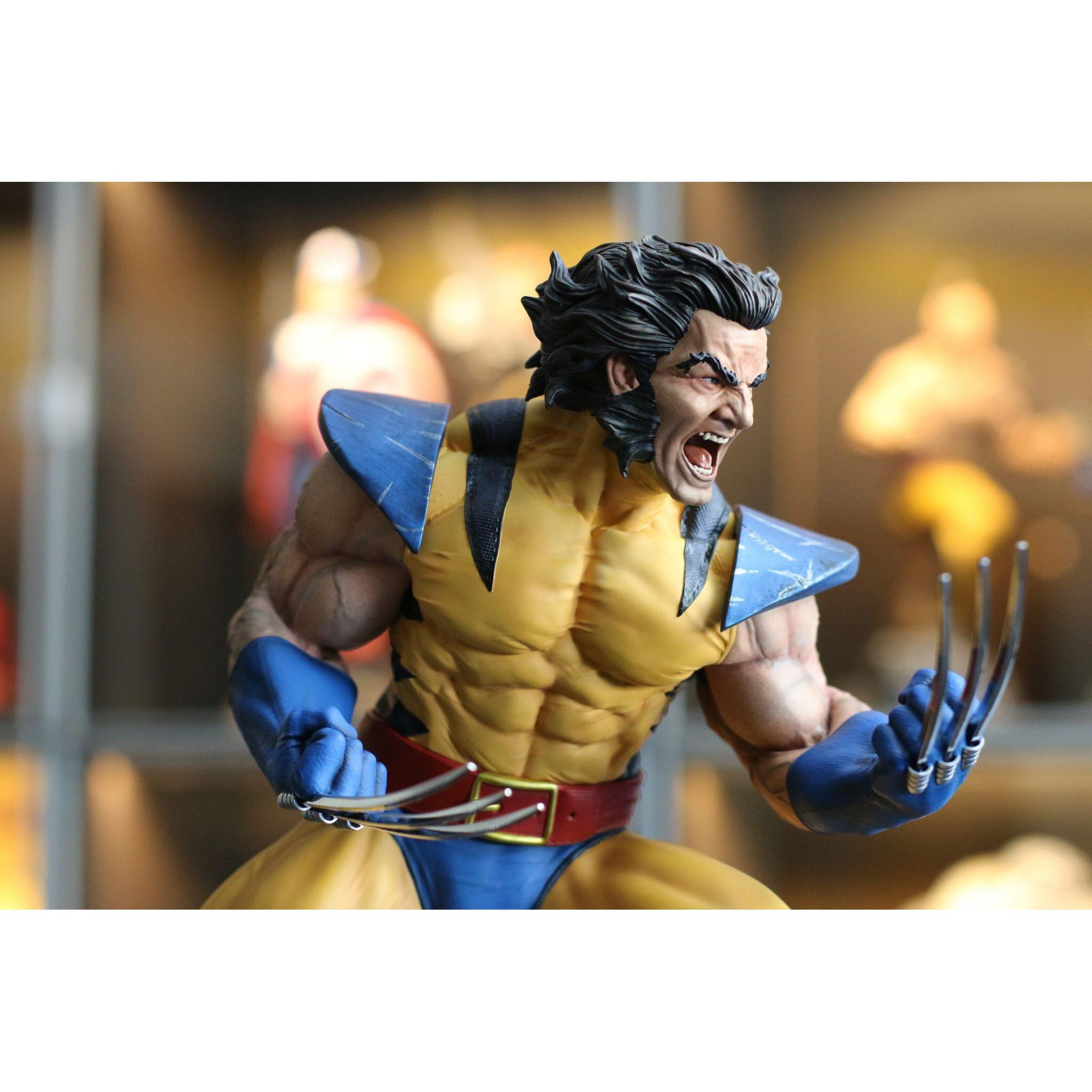 Madx Yellow Wolverine 1/4 Custom statue  - Movie Freaks Collectibles