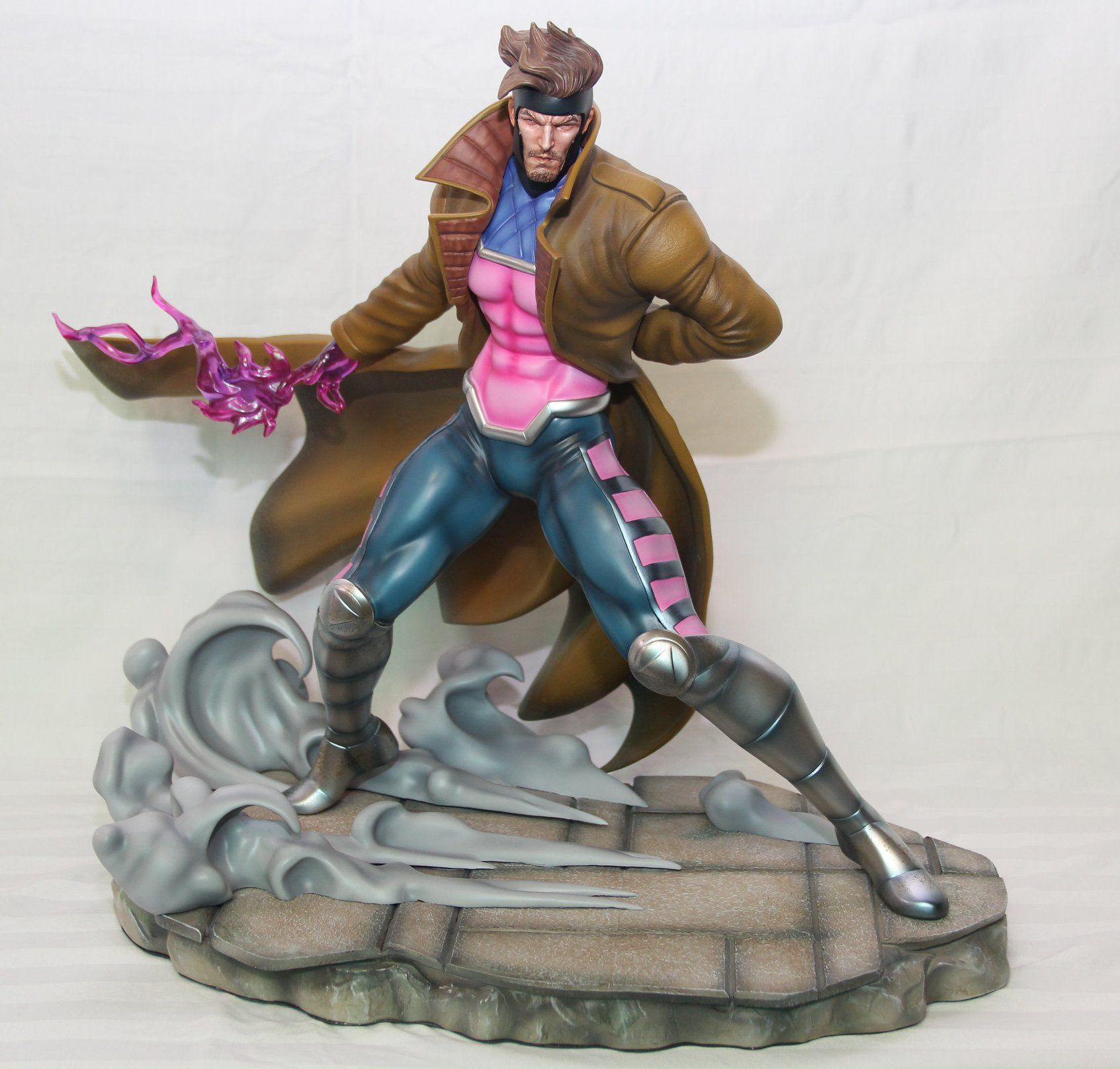 Marvel Vs Capcom Gambit Statue 1/4 Scale - X-men - Smoke base  - Movie Freaks Collectibles