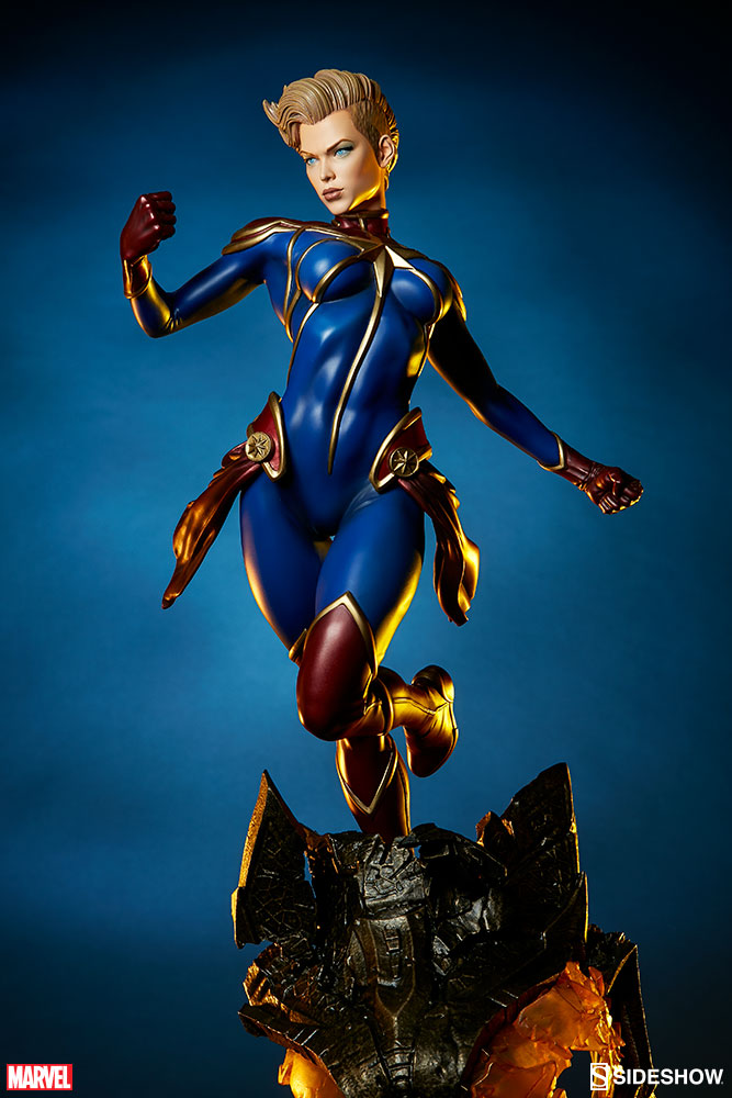 Sideshow Captain Marvel Premium Format™ EXclusive Figure   - Movie Freaks Collectibles