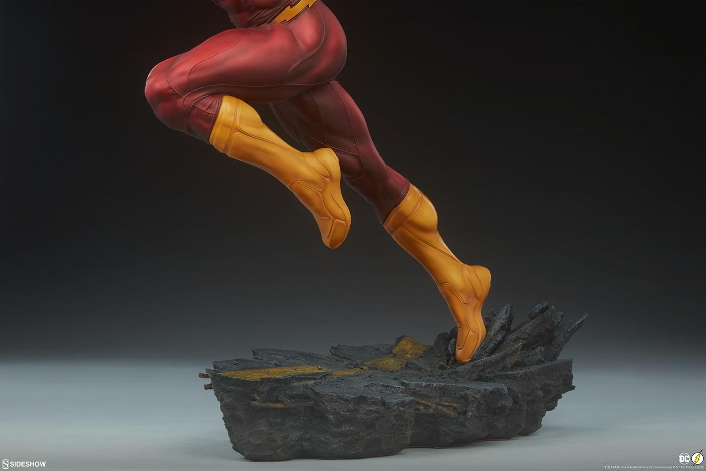 Sideshow The Flash Premium Format  - DC Comics  - Movie Freaks Collectibles