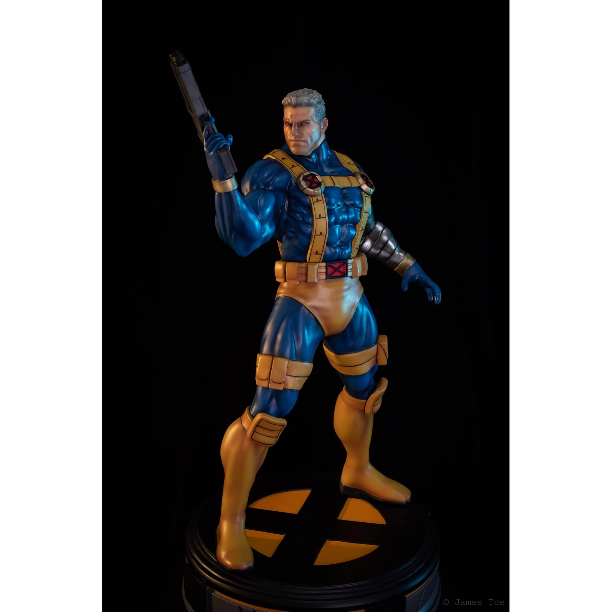 Wolfpax Marvel vs Capcom Cable 1/4 statue  - Movie Freaks Collectibles