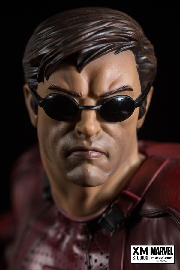 XM Studios Demolidor - Daredevil Statue  - Movie Freaks Collectibles