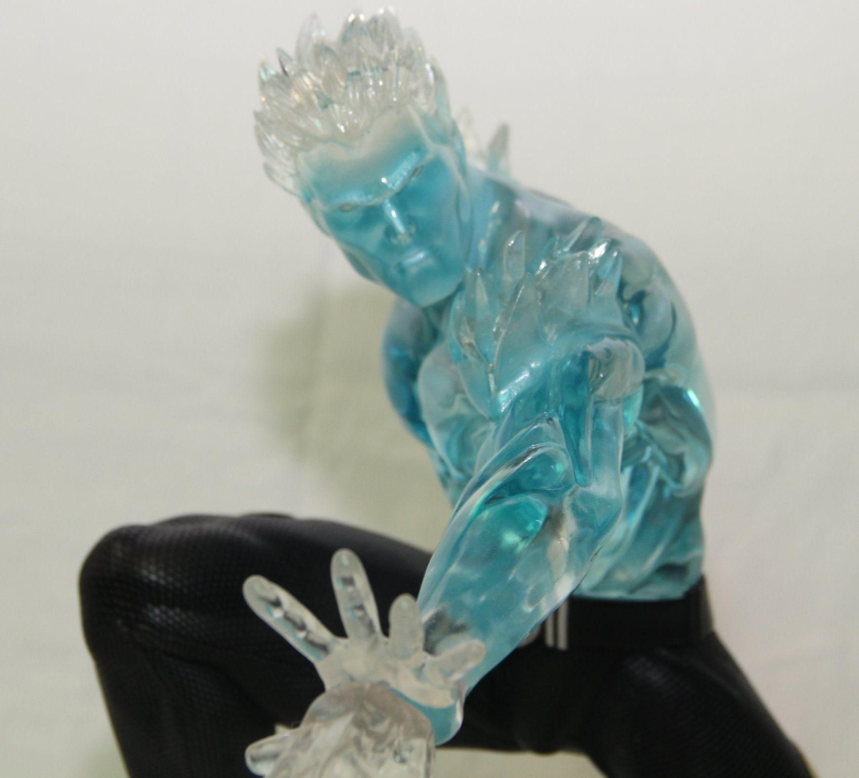 Xtreem Sculptures Iceman / Homem de Gelo Statue 1/4 scale  - Movie Freaks Collectibles