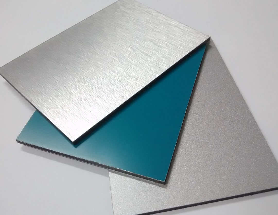 Chapa de ACM 1,22m x 5m Cor Silver Metallic