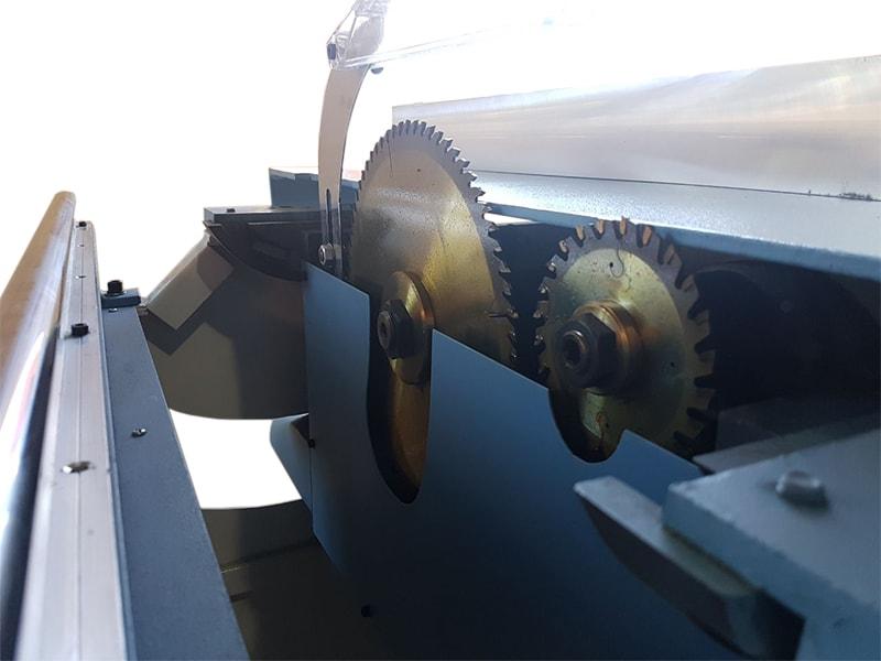 Esquadrejadeira EIC-300 Invicta
