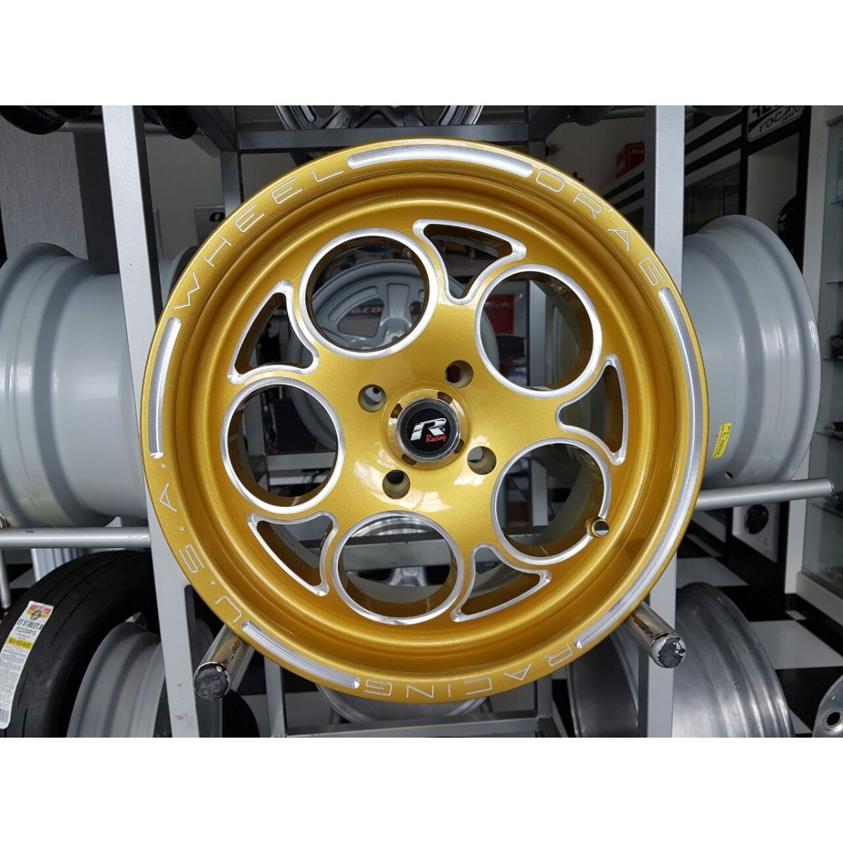 Roda Réplica Magnum Gold 15x7