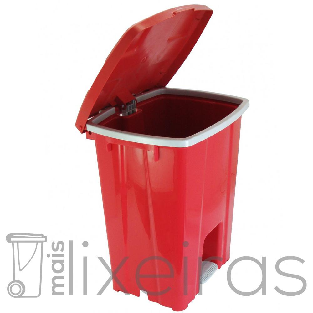 Lixeira plástica com pedal - 30 litros
