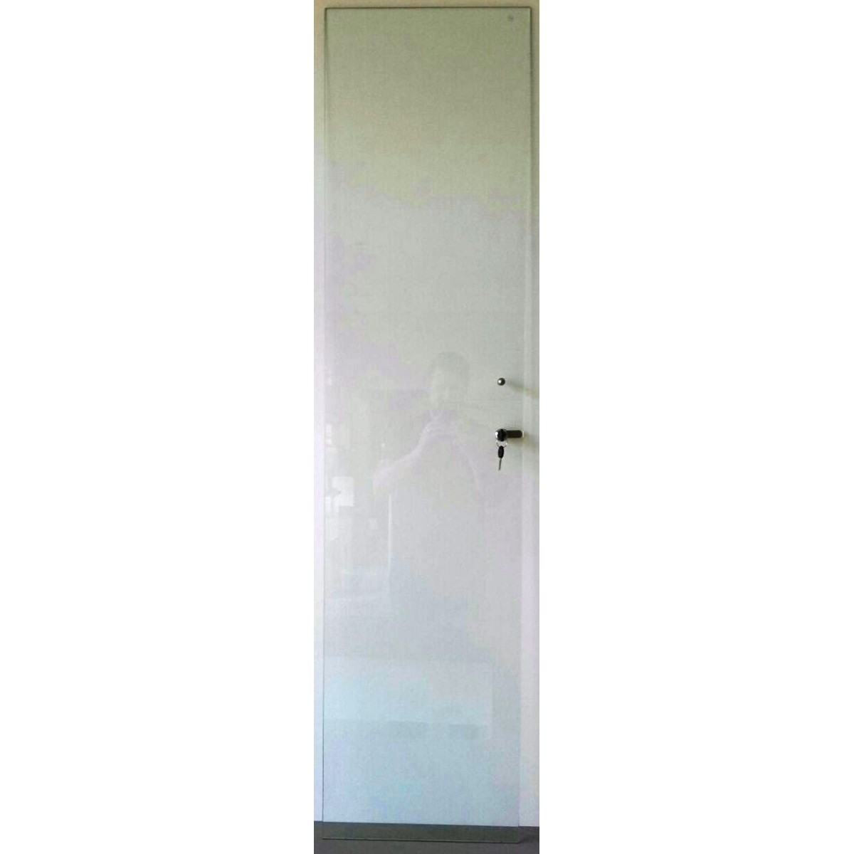 Porta Vidro Incolor com Chave para Estante CD/DVD/Blu-ray