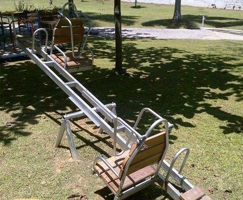 Playground Adaptado Cadeirante Gangorra de Ferro