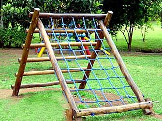 Playground de Madeira Cestão - Tronco de Eucalipto