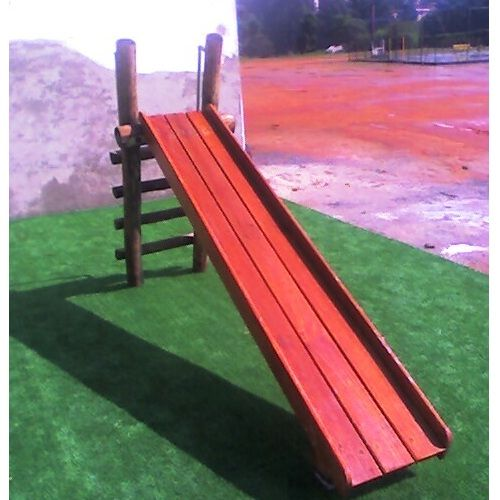 Playground de Madeira Escorregador - Tronco de Eucalipto