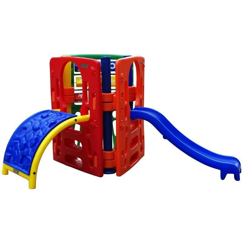 Playground de Plástico Mount Minore Triangular
