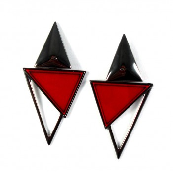 Brinco Red Triangle