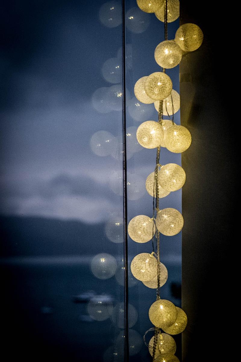 Cordão de luz Off white - luminária Led de 20 bolinhas  Ninis
